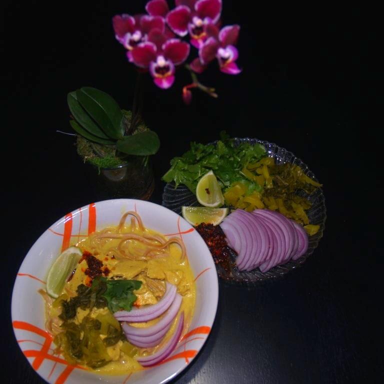 Khao Soi Kai with Toppings