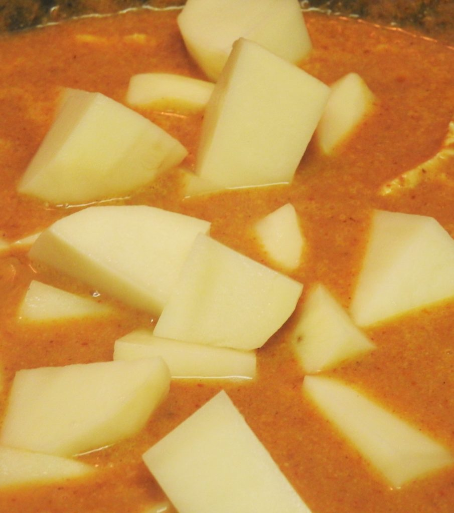 Potatoes Cubes in Panang Curry