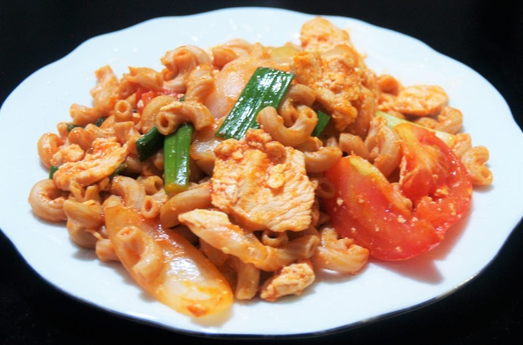 Thai Style Stir Fried Macaroni with Chicken