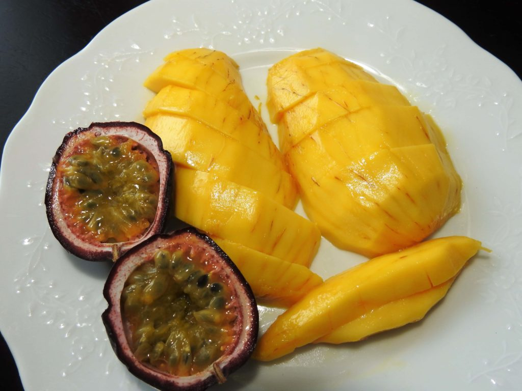 Passion fruit and Champagne mango