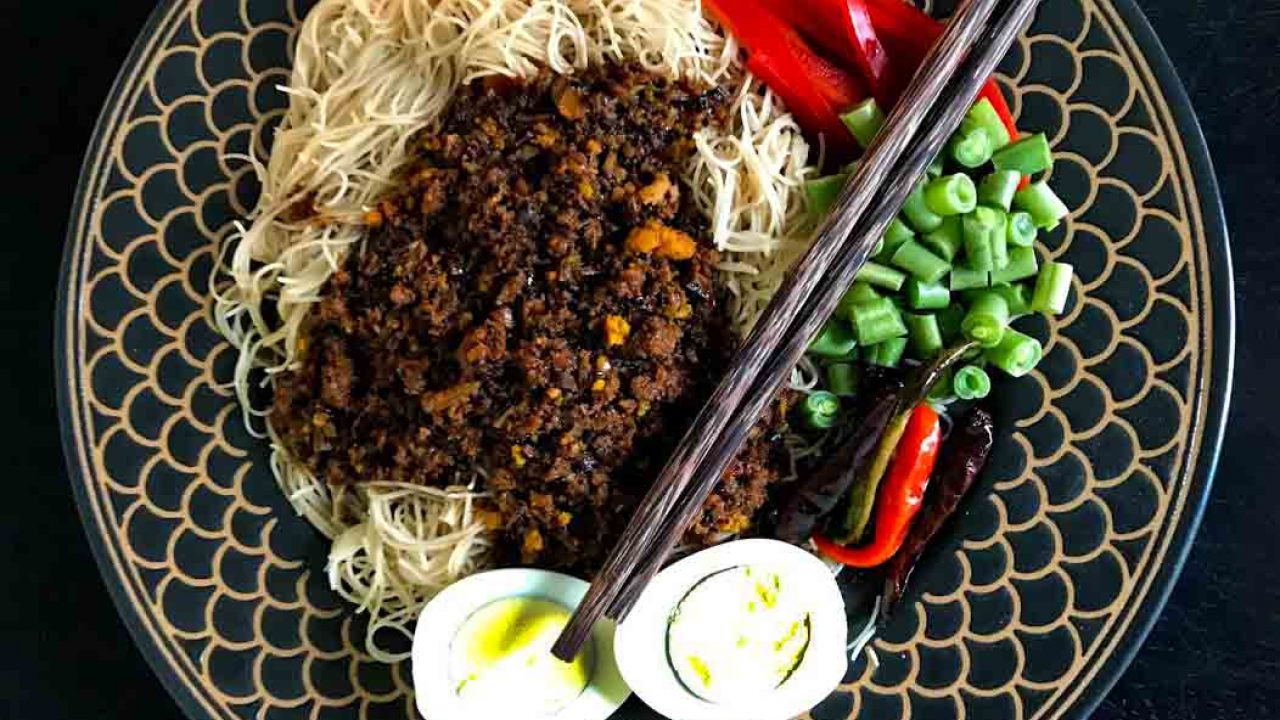 Central Thai Brown Rice Vermicelli with Lentil-Peanut Sauce